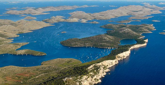 Telašćica - a sós tó, sziklafalak és Dugi otok érintetlen öblei