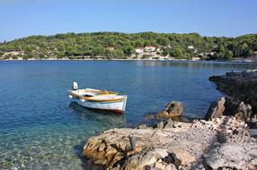 Visit the island of Šolta | 4 things you must do
