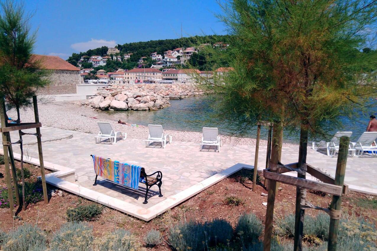 Ferienwohnung im Ort Jelsa (Hvar), Kapazität 2+2 (2142264), Jelsa (HR), Insel Hvar, Dalmatien, Kroatien, Bild 7