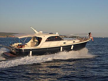 Yacht charter Adriana 44 | C-MB-1174