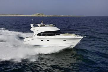 Motor Boats Beneteau Antares 36 C Mb 1157 Yacht Charter Boats