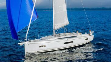 Yacht charter Beneteau Oceanis 40.1 | C-SY-4200