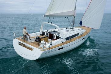 Yacht charter Beneteau Oceanis 45 | C-SY-3660
