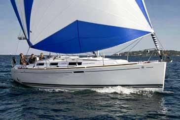 Yacht charter Dufour 325 | C-SY-1077