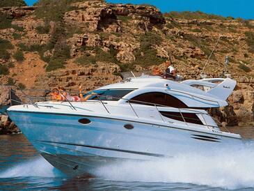Yacht charter Fairline Phantom 40 | C-MB-4260