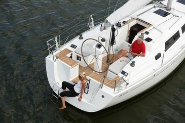 Yacht charter Hanse 325 | C-SY-4131
