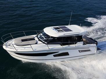 Yacht charter Jeanneau Merry Fisher 1095 | C-MB-4248