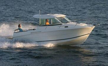 Yacht charter Jeanneau Merry Fisher 725 | C-MB-4213