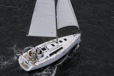Charter hajózási eszközök Beneteau Oceanis 34 | C-SY-3545