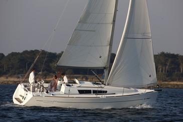 Yacht charter Sun Odyssey 33i | C-SY-1347