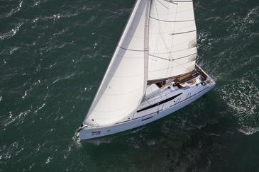 Yacht charter Sun Odyssey 349 | C-SY-4008