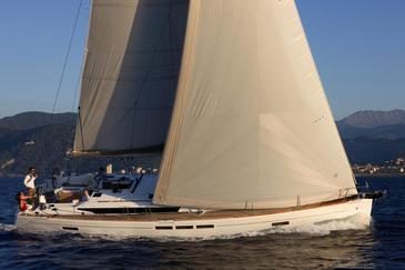 Yacht charter Sun Odyssey 519 | C-SY-3900
