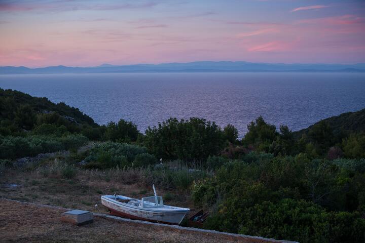 Oključna on the island Vis (Srednja Dalmacija)