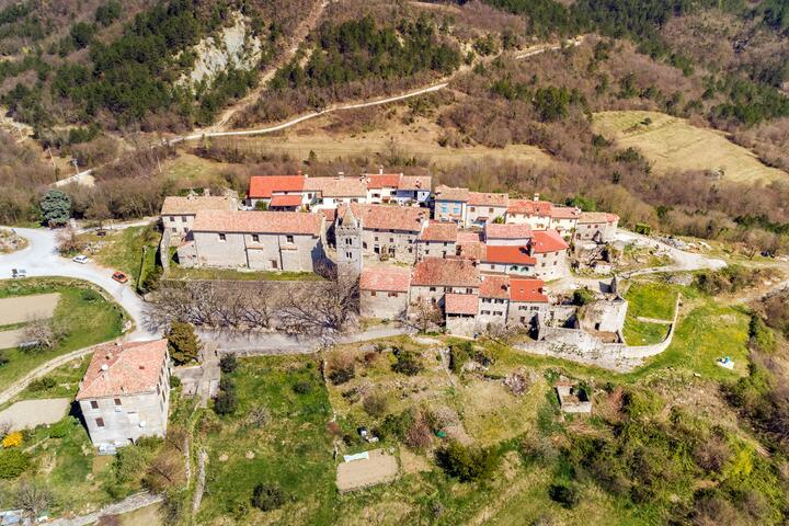 Hum in riviera Središnja Istra (Istra)