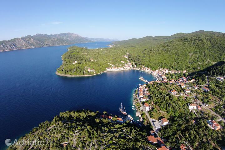 Račišće na otoku Korčula (Južna Dalmacija)