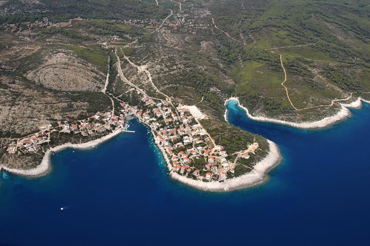 Zavalatica na otoku Korčula (Južna Dalmacija)