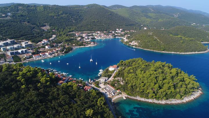 Žrnovska Banja na otoku Korčula (Južna Dalmacija)