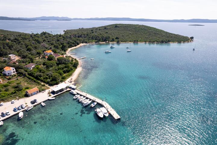 Isola Ugljan Dalmazia Settentrionale Guida Della Croazia