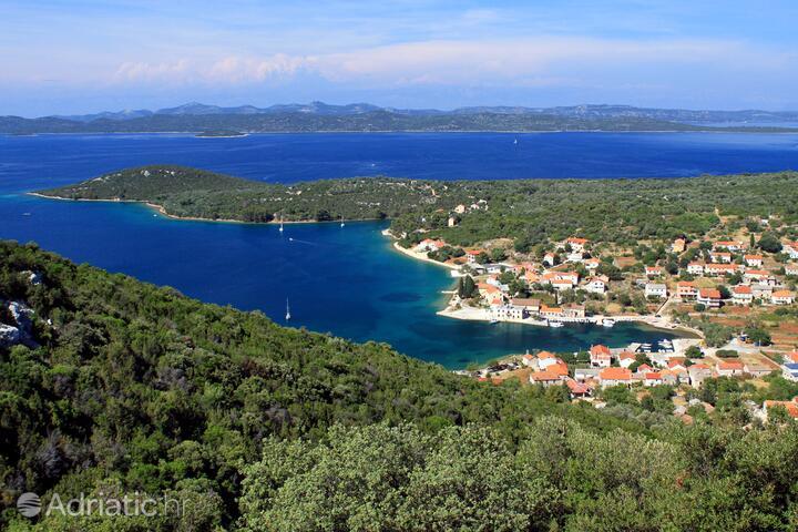 Luka на острове Dugi otok (Sjeverna Dalmacija)