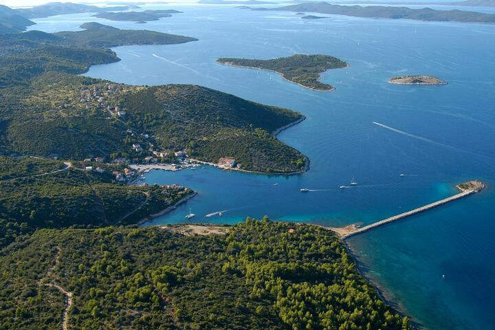 Zaglav на острове Dugi otok (Sjeverna Dalmacija)