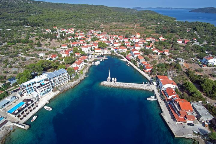 Bozava on the island Dugi otok (Noord Dalmacija)