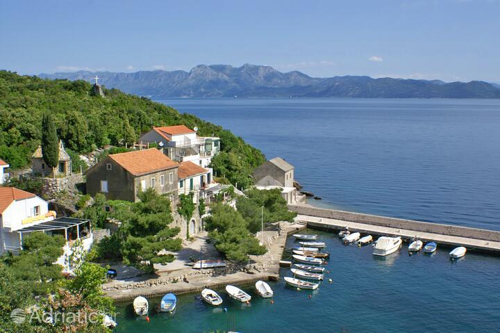 Crkvice bay in riviera Pelješac (South Dalmatia)