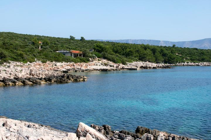 Girna Luka na wyspie Hvar (Srednja Dalmacija)