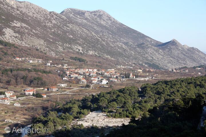 Gata u rivijeri Omiš (Srednja Dalmacija)