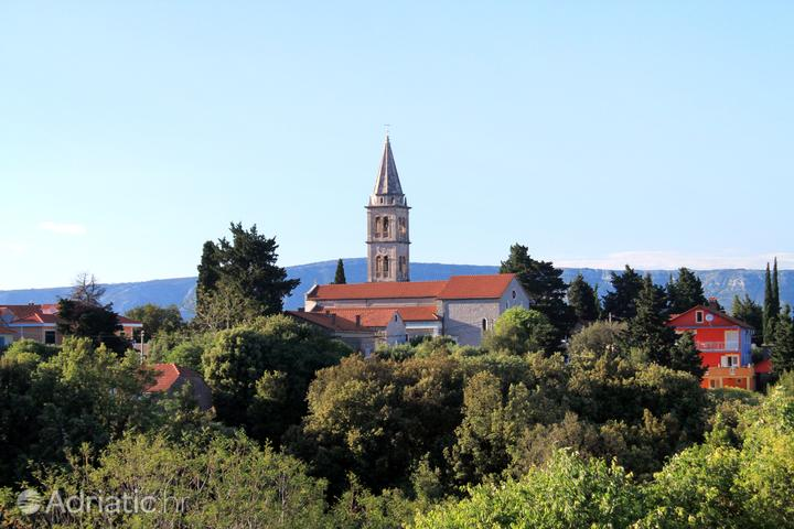 Vrbanj na otoku Hvar (Srednja Dalmacija)