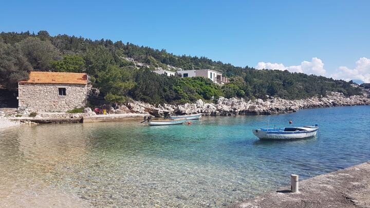 Milna (Zastražišće) na otoku Hvar (Srednja Dalmacija)