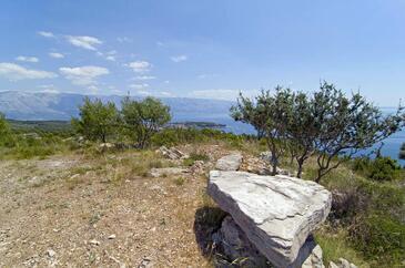 Dočine on the island Brač (Srednja Dalmacija)