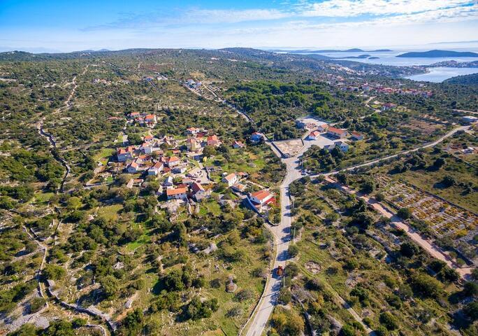 Dvornica in riviera Rogoznica (North Dalmatia)