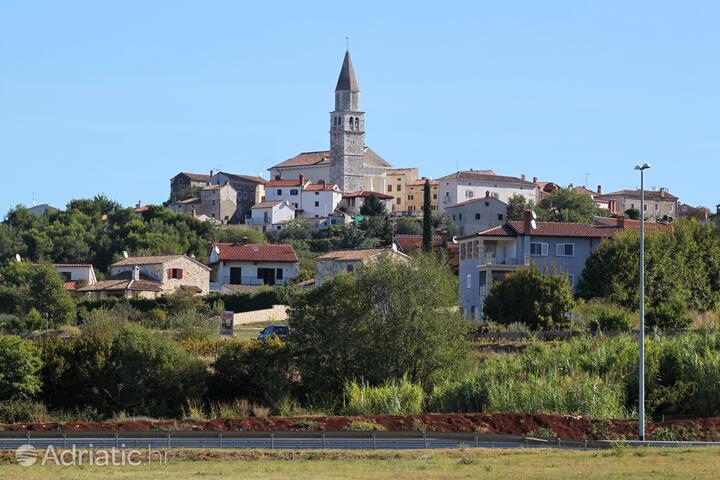 Višnjan dans la côte Središnja Istra (Istra)