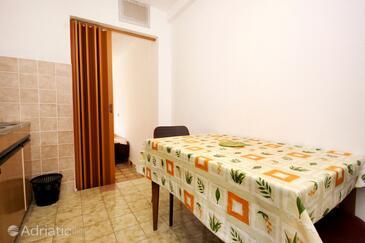 Marina, Dining room in the studio-apartment, WIFI.