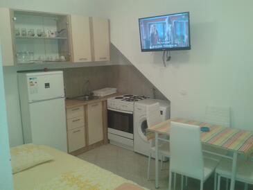 Pisak, Jídelna v ubytování typu apartment, s klimatizací a WiFi.