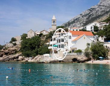 Pisak, Omiš, Property 1001 - Apartments near sea with pebble beach.