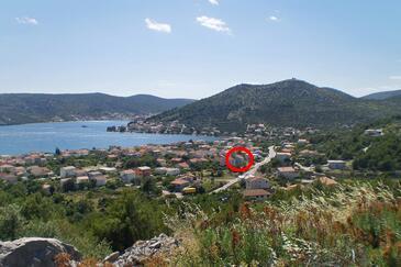 Poljica, Trogir, Property 10010 - Apartments with pebble beach.