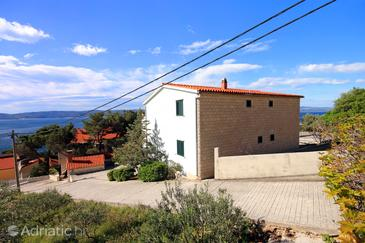 Marušići, Omiš, Property 10012 - Apartments near sea with pebble beach.
