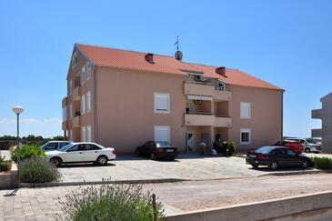 Vodice, Vodice, Объект 10022 - Апартаменты с галечным пляжем.