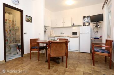 Korčula, Dining room in the apartment, dopusteni kucni ljubimci.