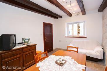 Žrnovo, Living room in the house, (pet friendly) and WiFi.