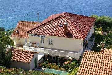 Pisak, Omiš, Hébergement 1004 - Appartement à proximité de la mer avec une plage de galets.