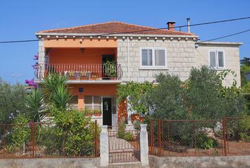 Korčula, Korčula, Объект 10042 - Апартаменты вблизи моря с песчаным пляжем.