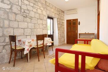 Korčula, Dining room in the apartment, dostupna klima i WIFI.