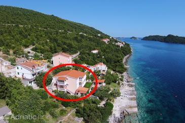Karbuni, Korčula, Property 10045 - Apartments by the sea.