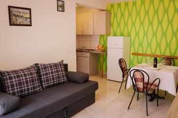 Trpanj, Obývací pokoj v ubytování typu apartment, domácí mazlíčci povoleni a WiFi.