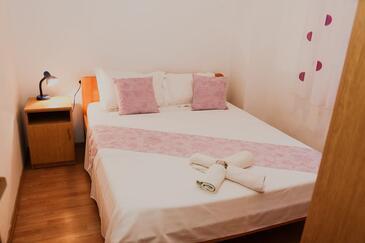 Bedroom    - A-10047-b