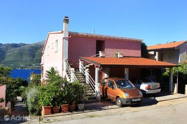 Medvinjak, Korčula, Property 10055 - Apartments with pebble beach.