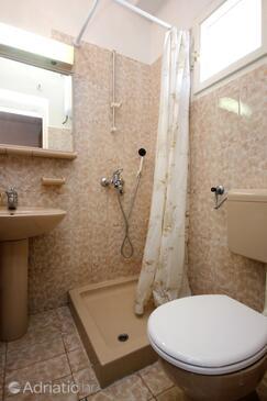 Bathroom 4   - A-10057-a