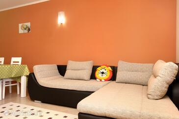 Brna, Living room in the apartment, dostupna klima i WIFI.
